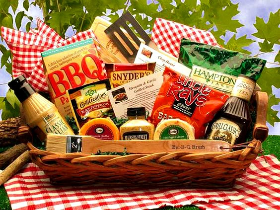 Barbecue Gift Basket, BBQ Grilling Gift Filled With BBQ Friendly Foods