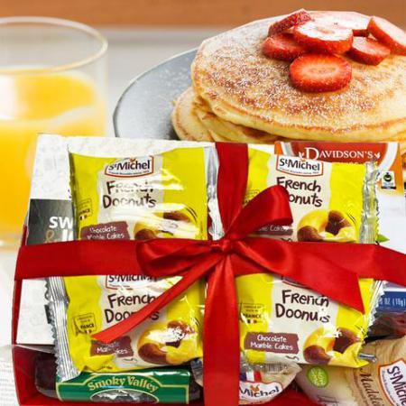 valentine breakfast tray