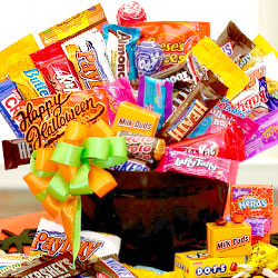 Holloween-Candy-Caldron-Gift-Basket