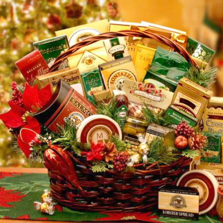 Large Holiday Gathering Gift Basket
