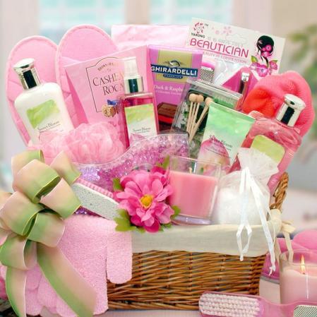 Bath-Spa-Basket-For-A-Woman
