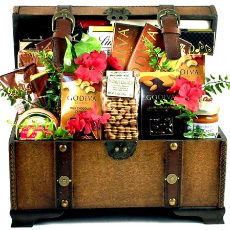 Village Chocolatier, Deluxe Gift Trunk
