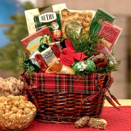 Large Old Fashioned Christmas Basket