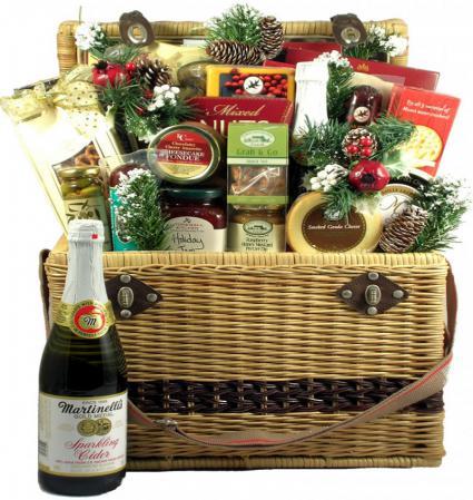 large-holiday-picnic-basket