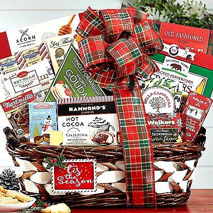 christmas-holiday-gifts-basket